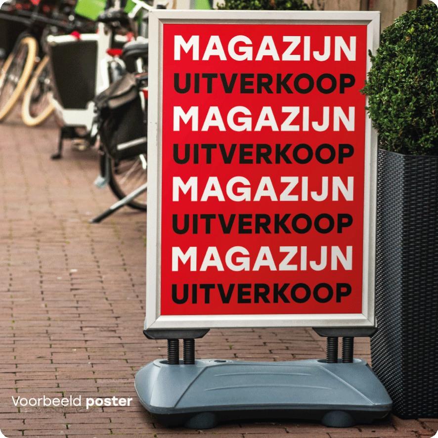 Voorbeeld 'Magazijn Uitverkoop' poster stoepbord