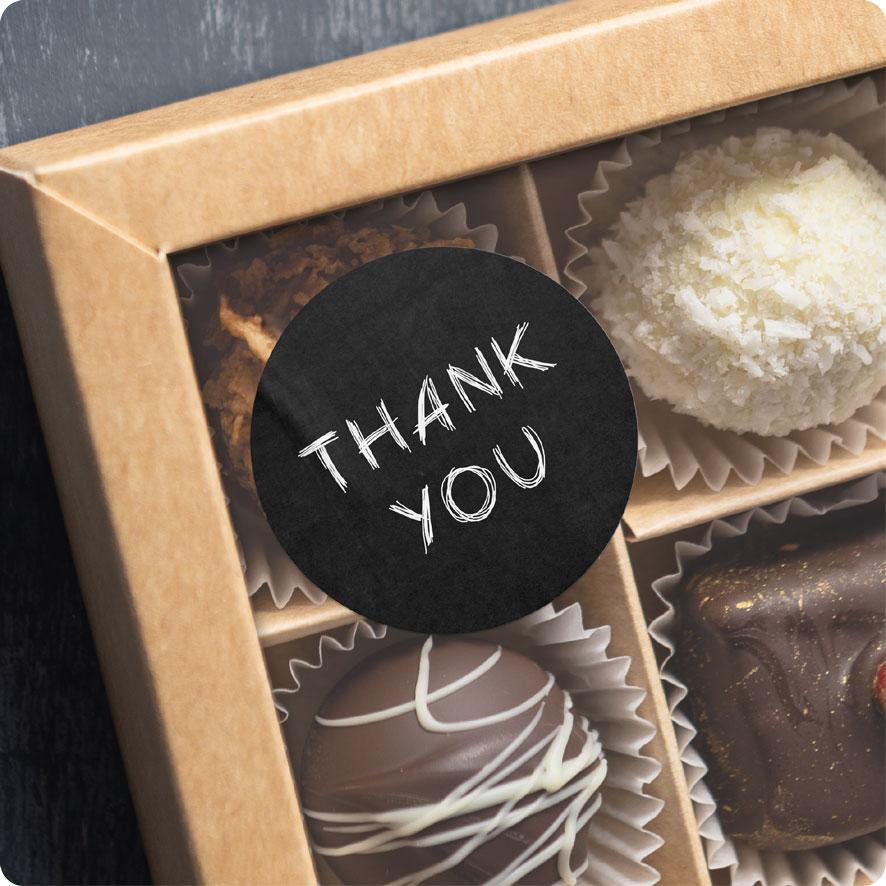 Voorbeeld thank you sticker krijtbord-wit chocolade doos