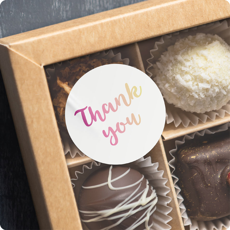 Voorbeeld thank you sticker wit-donkerpaars-lichtgeel chocolade doos