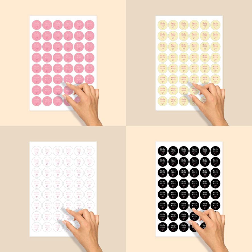 Stickers 'Made with love' stickervel zwart-wit-donkerroze rond 30mm